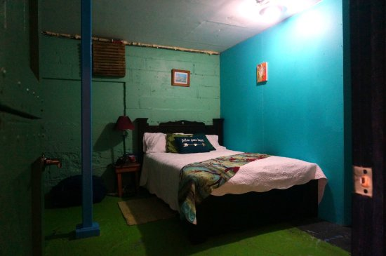 Nuevo Arenal, Costa Rica: Danny's Room - 1 of 2 budget private hostel rooms