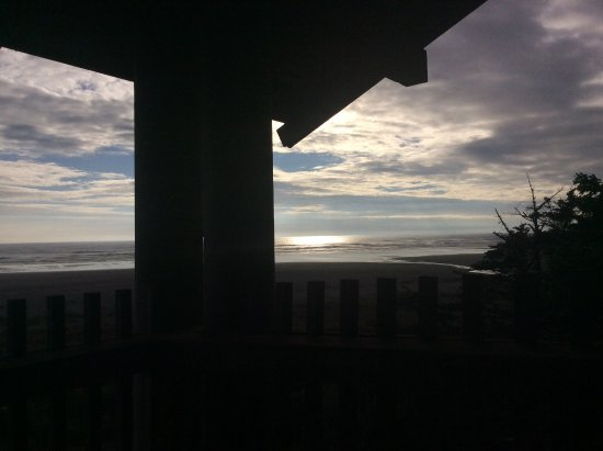 Pacific Beach, WA: Pre sunset view from our private deck