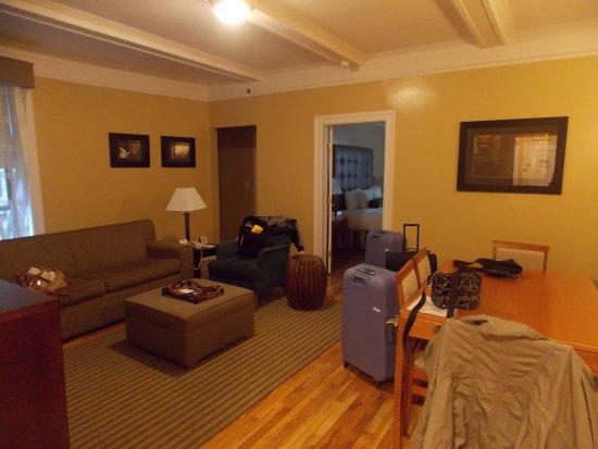 BEST WESTERN PLUS Hospitality House: salon + salle à manger