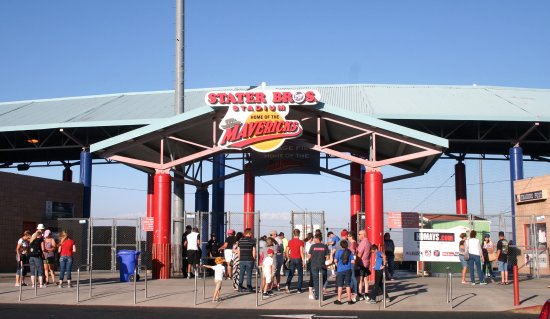 Adelanto, Californië: The stadium entrance