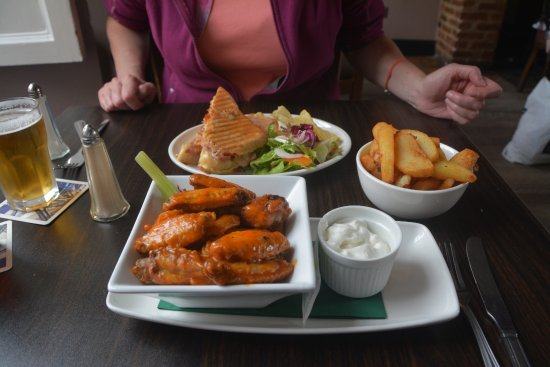Denvir's Hotel: Wings, Panini and chips