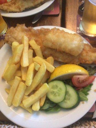 Torcross, UK: Medium haddock & chips