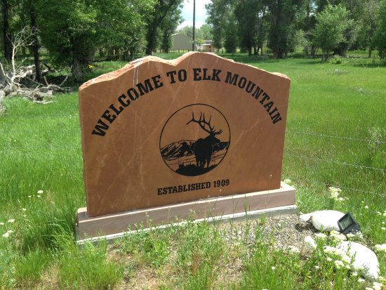 Elk Mountain, Wyoming: The sign to look for