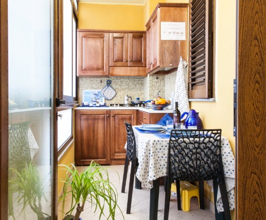 Angolo Cottura In Veranda : Camera matrimoniale con bagno interno e veranda possibilità