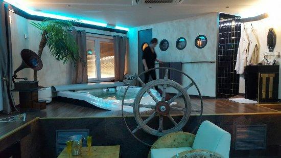 Hooglede, Bélgica: Bubble Lounge Hotel
