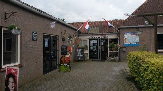 Weert, Belanda: Entree