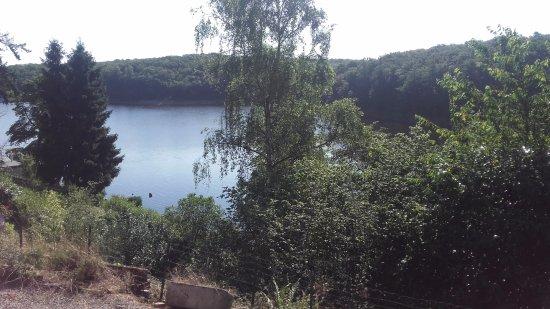 Montbard, Frankrig: Vue sur le lac