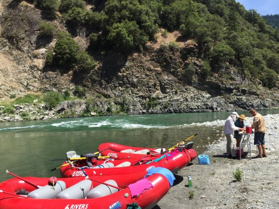 Six Rivers Rafting: photo0.jpg