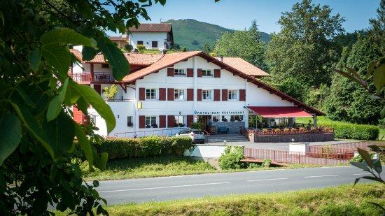 Hotel Ur Hegian: Hôtel Ur Hegian façade