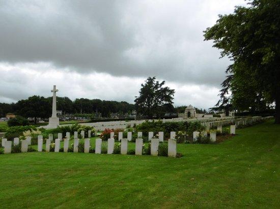 Longuenesse Saint Omer Souvenir Cemetery