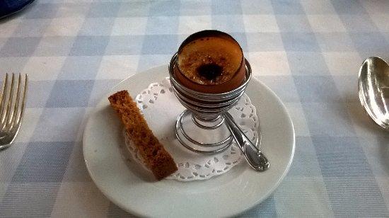 Tavel, Francia: Pré-dessert : crème brûlée avec mouillette de pain d'épice