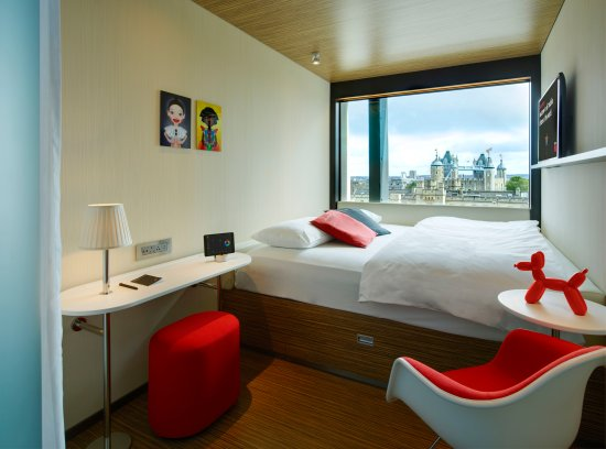 CitizenM Tower Of London Hotel: Room