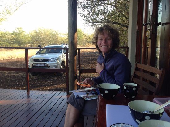 Lavumisa, Swaziland: Breakfast on the deck