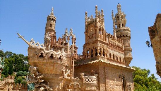 Castillo de Colomares: Vista desde abajo