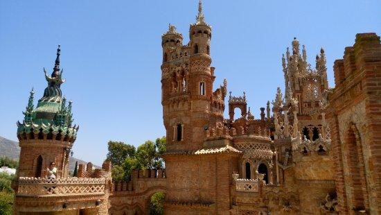 Castillo de Colomares: Vista desde una de las torretas de otra zona