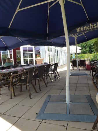 Pommersfelden, Germany: The outside seating area