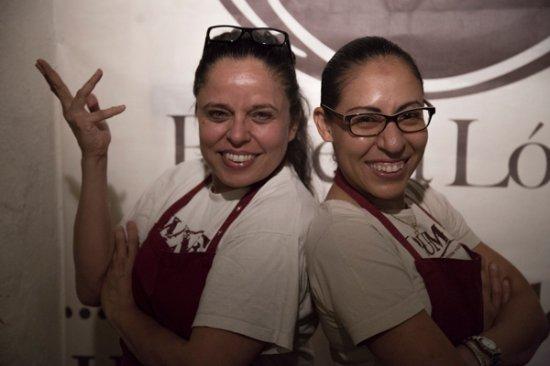 Bodega Lopez: Marta López & Mauxi Montes :-)
