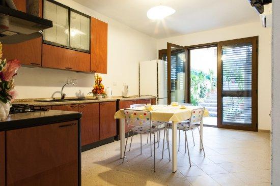 Angolo Cottura In Veranda : Veranda fornita di piccolo angolo cottura privato all interno di