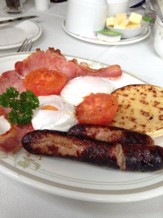 Ballifeary Guest House: Breakfast