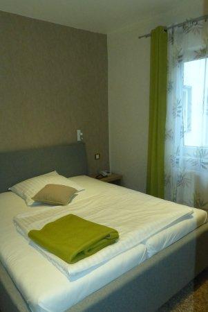 Hotel Aquarius: Schlafbereich kleiens Appartement
