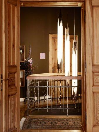 Linnen: Staircase lighting
