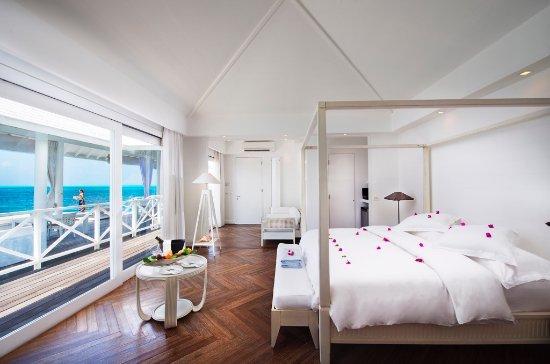 Diamonds Thudufushi: Water Villa