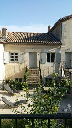 Quarante, Francia: 20160704_185334_large.jpg