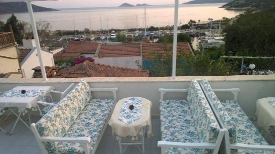 Old Kalamaki Pension: terrace