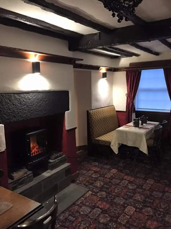 Kendal, UK: Enjoy a home made meal in our cosy dining room.