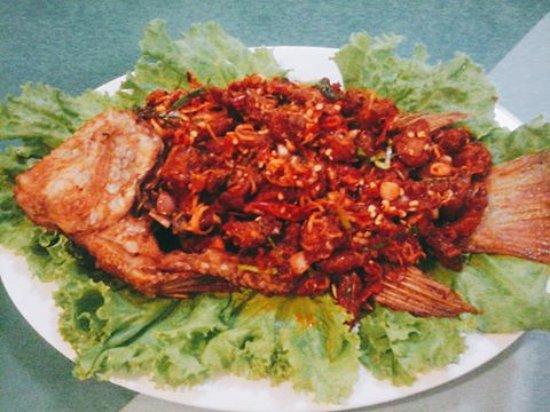 Poipet, Καμπότζη: Fish dip fried