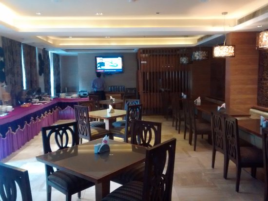 Riverview Hotel: DINING