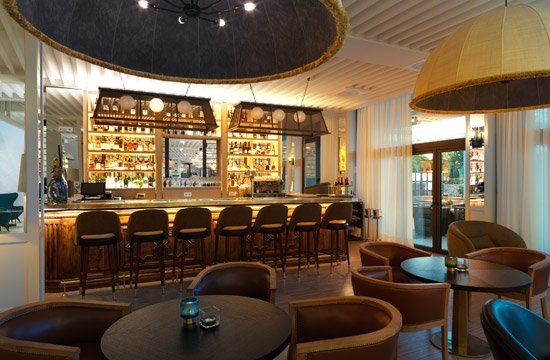 Incroyable Hotel Camiral: Lounge Bar Deco