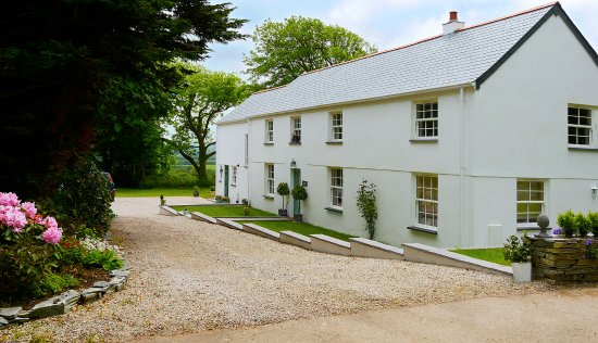 Caroe Farmhouse Bed and Breakfast