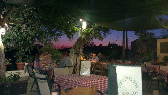 Prines, Grecja: Giannikos Taverna