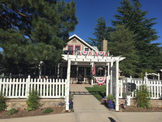 Prescott Pines Inn Bed and Breakfast: photo1.jpg