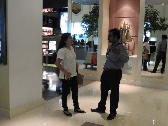Waterfront Cebu City Hotel & Casino : with my Filipino friend.