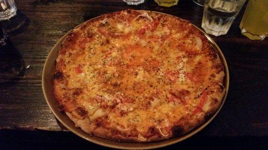 Bryggjan: Delicious Pizza