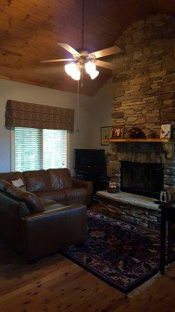 Whitestone Country Inn: 20160621_192046_large.jpg