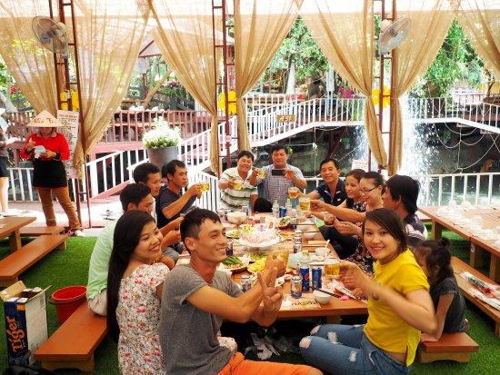 Pleiku, Vietnam : gia đình sum họp