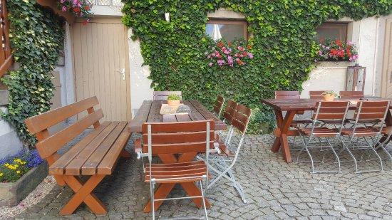 Schwarzach am Main, Deutschland: Biergarten