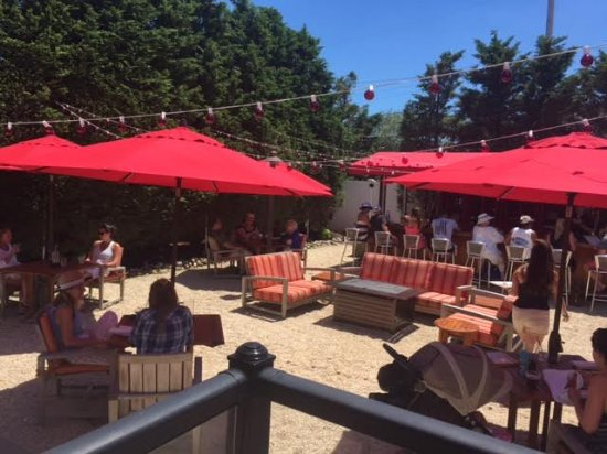 Long Beach Township, Nueva Jersey: Garden Patio and Rum Bar