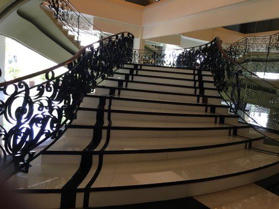 The Bellevue Manila: photo2.jpg