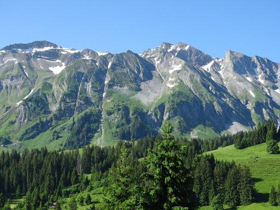 Sorenberg, سويسرا: Blick aus dem Hotelfenster auf das Brienzer Rothorn