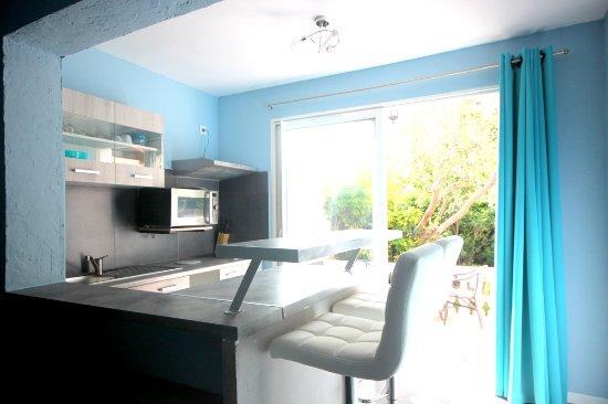 appart 39 bleu azur hotel saint florent corsica prezzi 2018 e recensioni. Black Bedroom Furniture Sets. Home Design Ideas