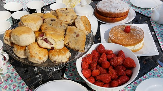 Otterham, UK : Afternoon Tea