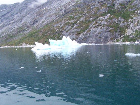 Touring Greenland ApS: Sailing to Kapisillit