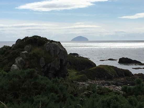 Dunure, UK: Ailsa Craig in the distance