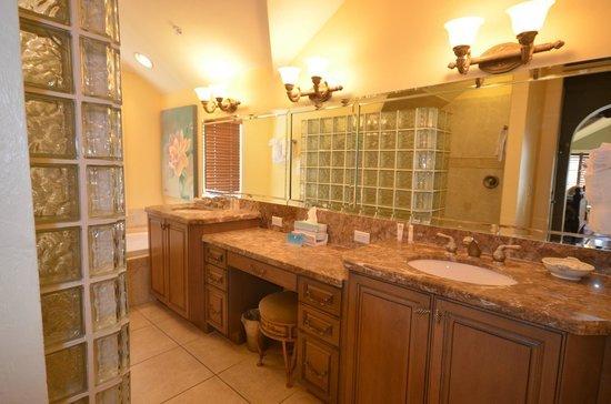 Captiva Island Inn Bed & Breakfast: Bathroom