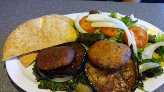 White Bear Lake, MN: Vegetable Combo Plate with salad