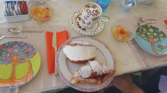 B&B La Duchessa A Roma: Breakfast delight